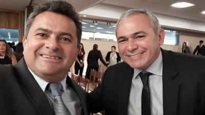 PRESIDENTE DA CÂMARA DE ITAITUBA MANOEL RODRIGUES E O PREFEITO DE SANTARÉM NÉLIO AGUIAR..jpg