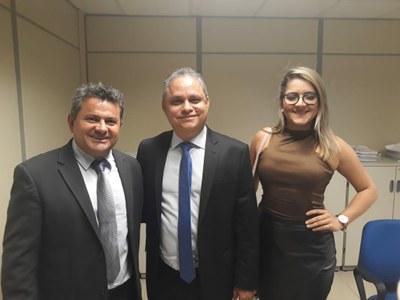 PRESIDENTE MANOEL RODRIGUES,  ROGÉRIO GOMES DA PRIMEIRA CONTROLADORIA DO TCM-PA E Dra. ERIKA.jpg